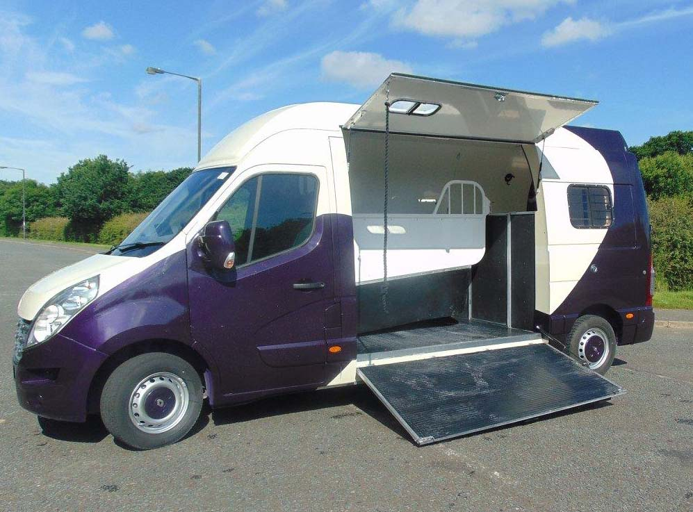 3.5 T Horsebox For Sale