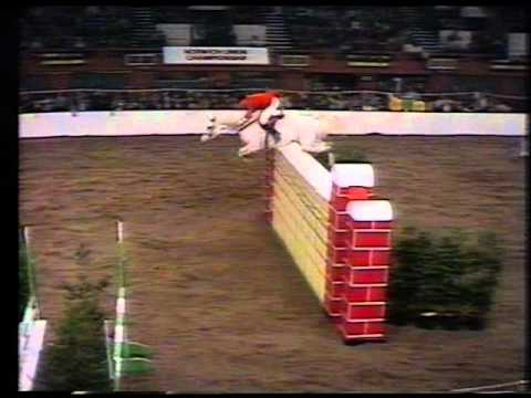 Harvey Smith and Graf 1977 HOYS Puissance