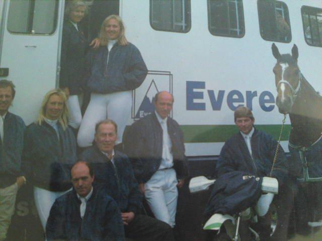 Liz Edgar - Everest Showjumping Team